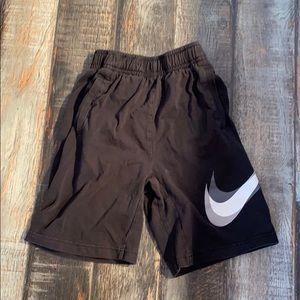 Nike kids shorts youth medium